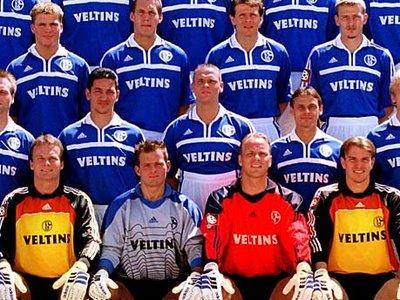 Thorsten Legat Mannschaftsfoto Schalke Hose